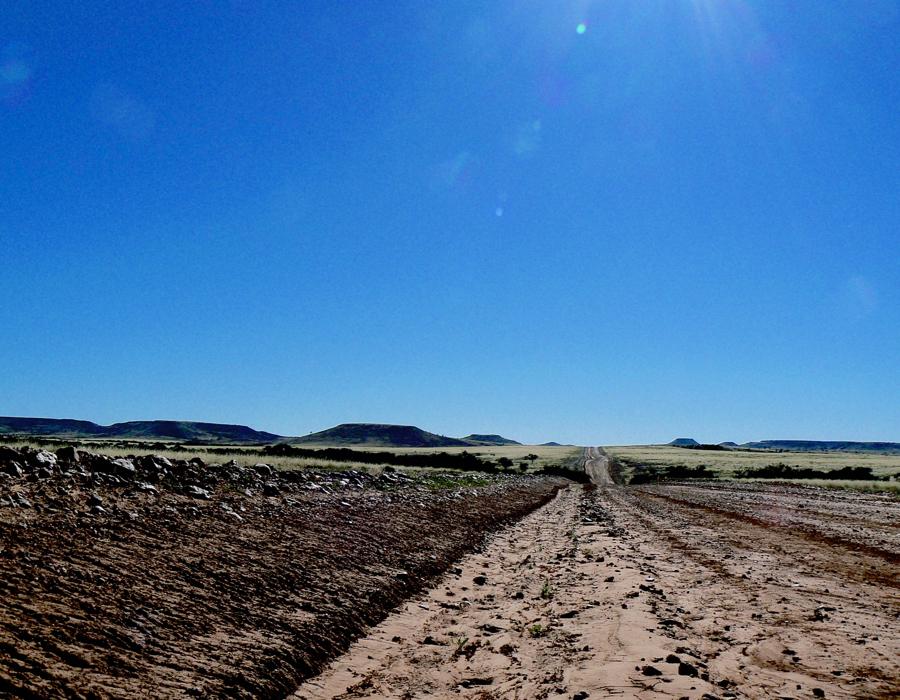 P1210121 Road to Windorah - Version 2